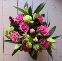 Bouquet of flowers with Lily's and pink roses